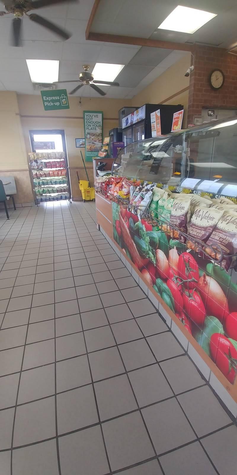 Subway   restaurant   3313 ON-115, Newcastle, ON L1B 1L9, Canada   9059874438 OR +1 905-987-4438