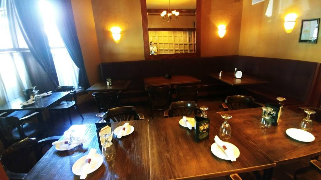 The Galway Arms   restaurant   2442 N Clark St, Chicago, IL 60614, USA   7734725555 OR +1 773-472-5555