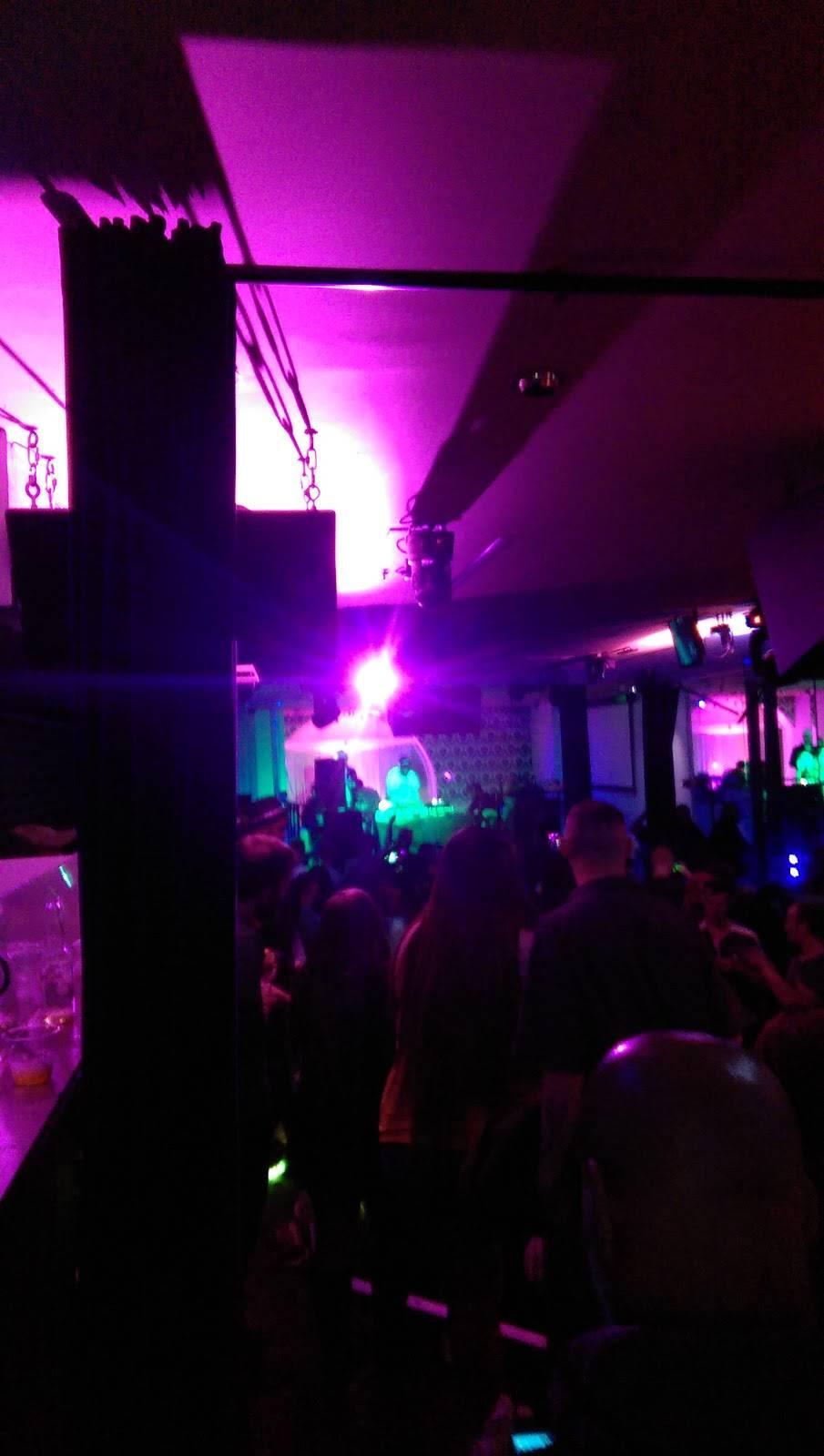 Oxygen Ultra Lounge | night club | 10 S Calvert St, Baltimore, MD 21202, USA | 4436155957 OR +1 443-615-5957