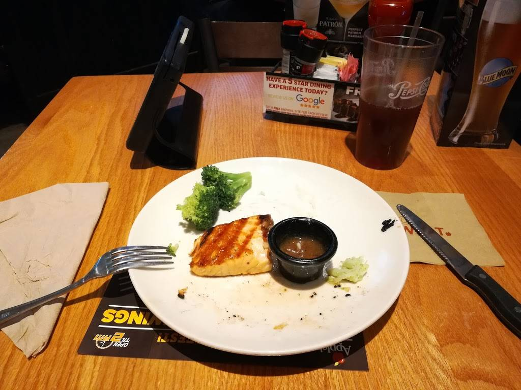 Applebees Grill + Bar   restaurant   4317 N, I-35, Gainesville, TX 76240, USA   9406123631 OR +1 940-612-3631