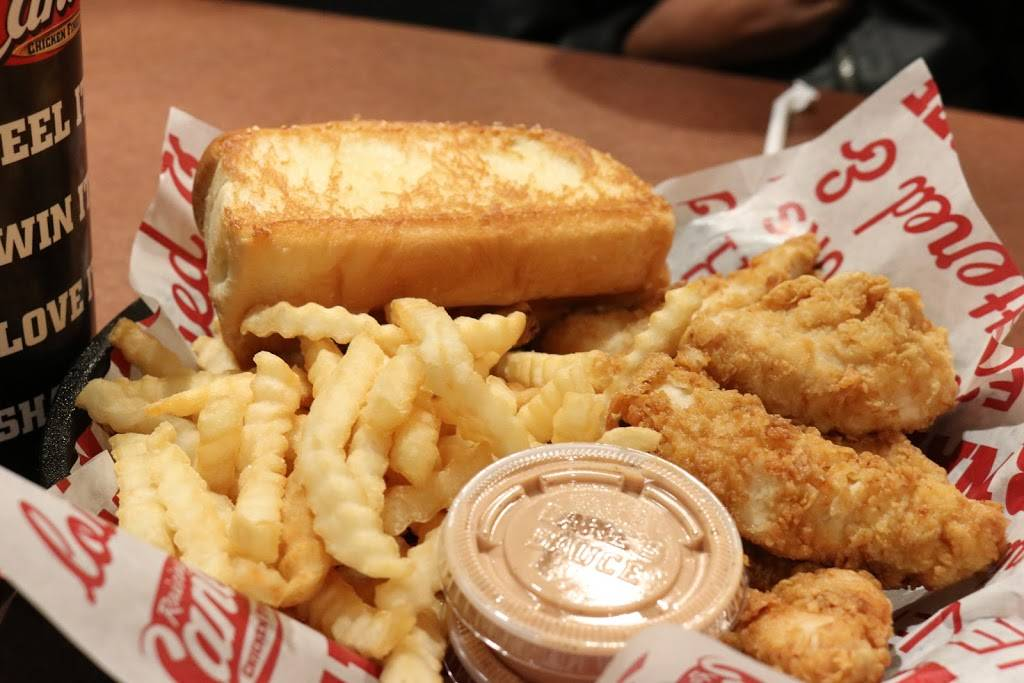 Raising Canes Chicken Fingers | meal takeaway | 3315 Ibsen Ave, Cincinnati, OH 45209, USA | 5135923775 OR +1 513-592-3775