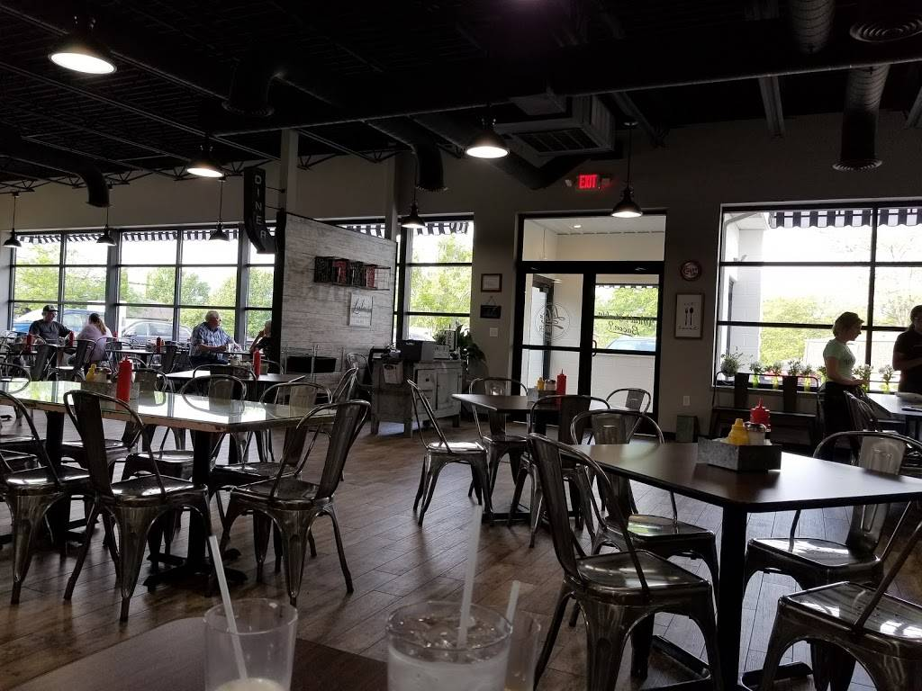 Lulus Diner | restaurant | 802 Gardenia Dr, Wapakoneta, OH 45895, USA | 5673565079 OR +1 567-356-5079