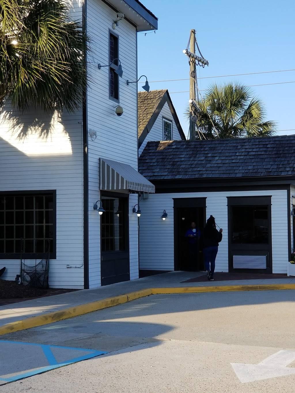 Just Georges   restaurant   1956 Laskin Rd, Virginia Beach, VA 23454, USA   7574288940 OR +1 757-428-8940