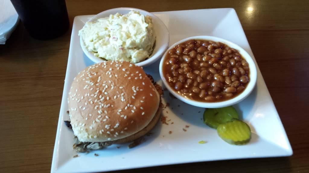 Mickey Piggs BBQ   restaurant   256 Anderson Cir, Alto, GA 30510, USA   7067762267 OR +1 706-776-2267