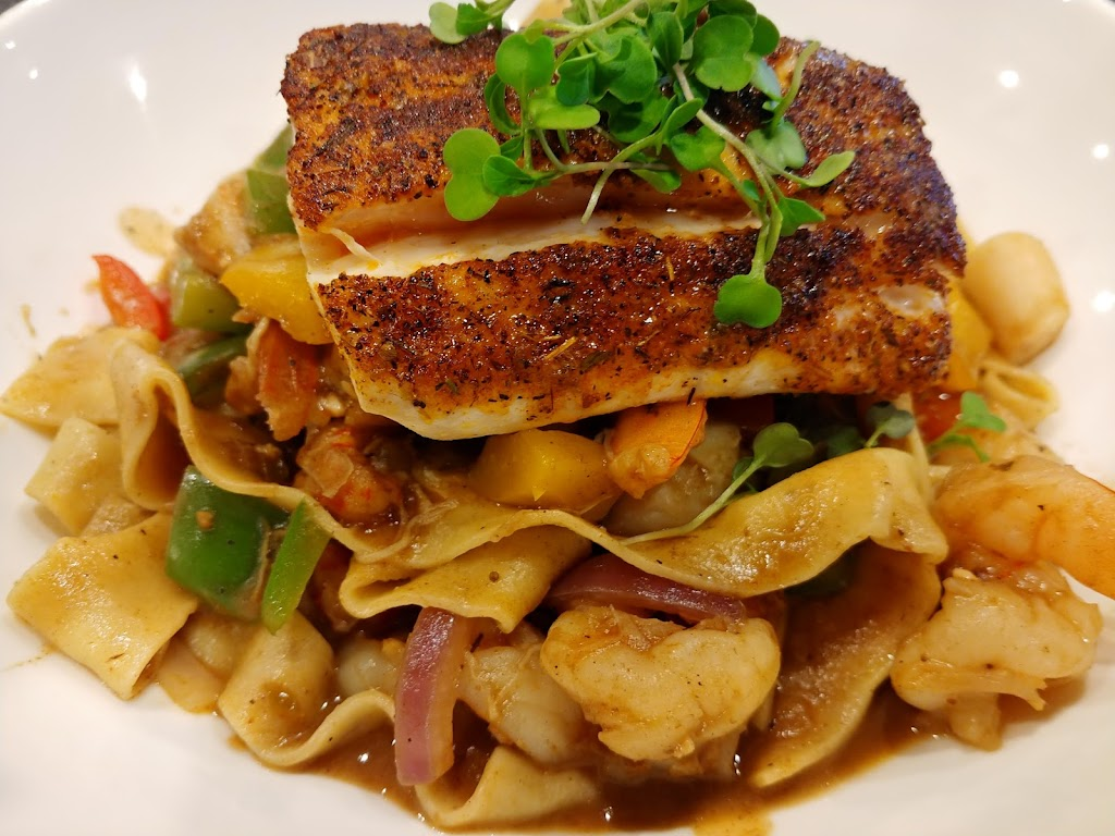 The Phoenix Kitchen & Cocktails | restaurant | 15905 S Bell Rd, Homer Glen, IL 60491, USA | 7084009971 OR +1 708-400-9971