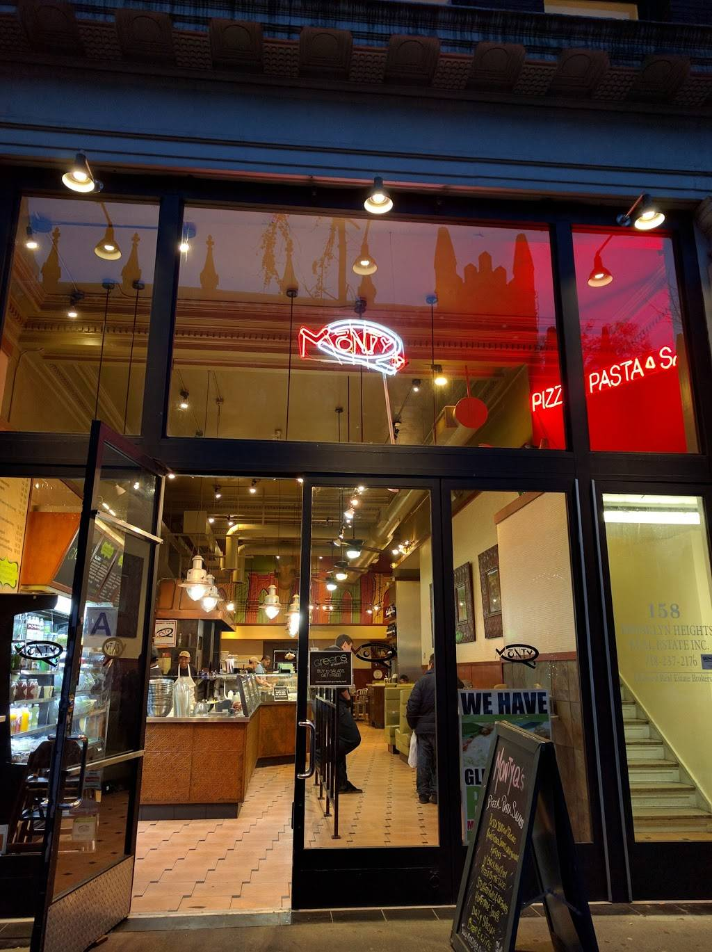 Monty Qs | meal takeaway | 158 Montague St, Brooklyn, NY 11201, USA | 7182462000 OR +1 718-246-2000