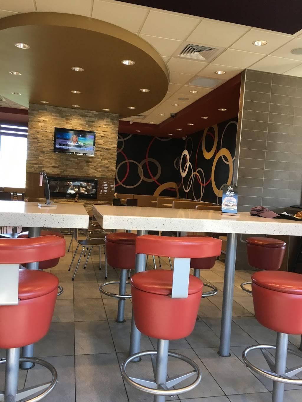McDonalds | cafe | 1015 10th St W, Owen Sound, ON N4K 5S2, Canada | 5193713363 OR +1 519-371-3363