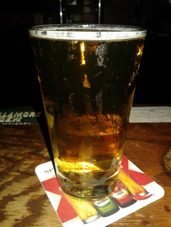 Molly Malones Irish Pub | restaurant | 575 S Fairfax Ave, Los Angeles, CA 90036, USA | 3239351577 OR +1 323-935-1577