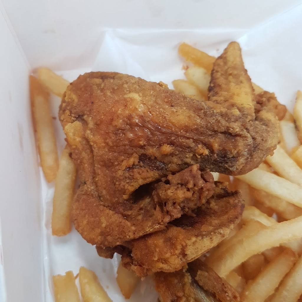 Crown Fried Chicken & Pizza Conduit Ave Brooklyn   meal delivery   640 Conduit Blvd #3, Brooklyn, NY 11208, USA   7182336296 OR +1 718-233-6296