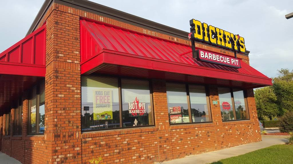 Dickeys Barbecue Pit   restaurant   2003 W Lucas St, Florence, SC 29501, USA   8434076129 OR +1 843-407-6129