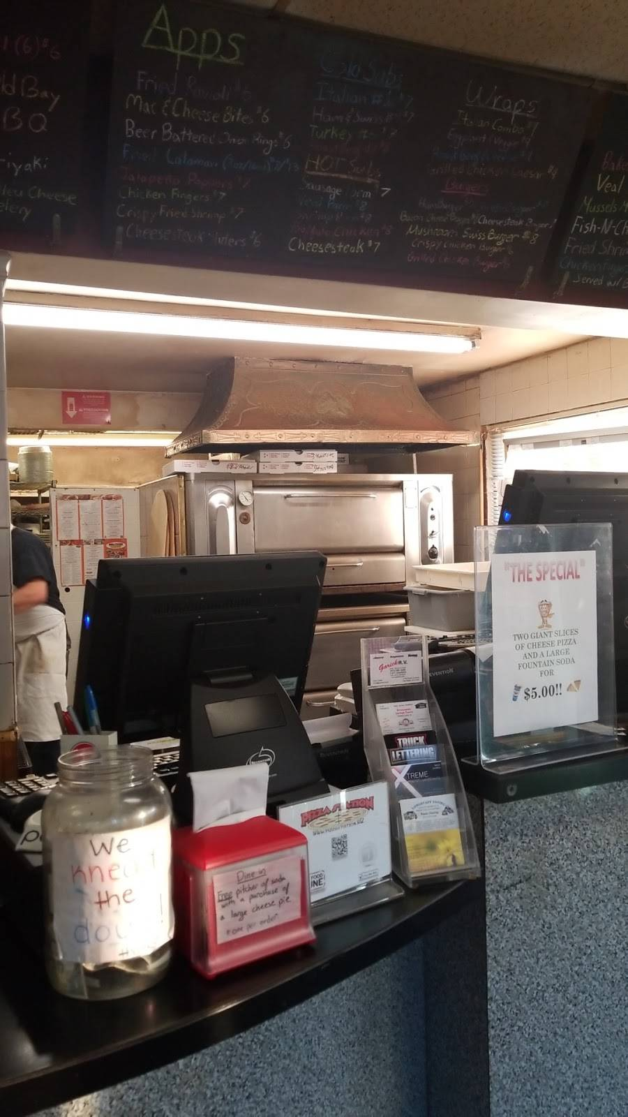 Pizza Station   restaurant   3043 Paterson Hamburg Turnpike, Oak Ridge, NJ 07461, USA   9736972222 OR +1 973-697-2222