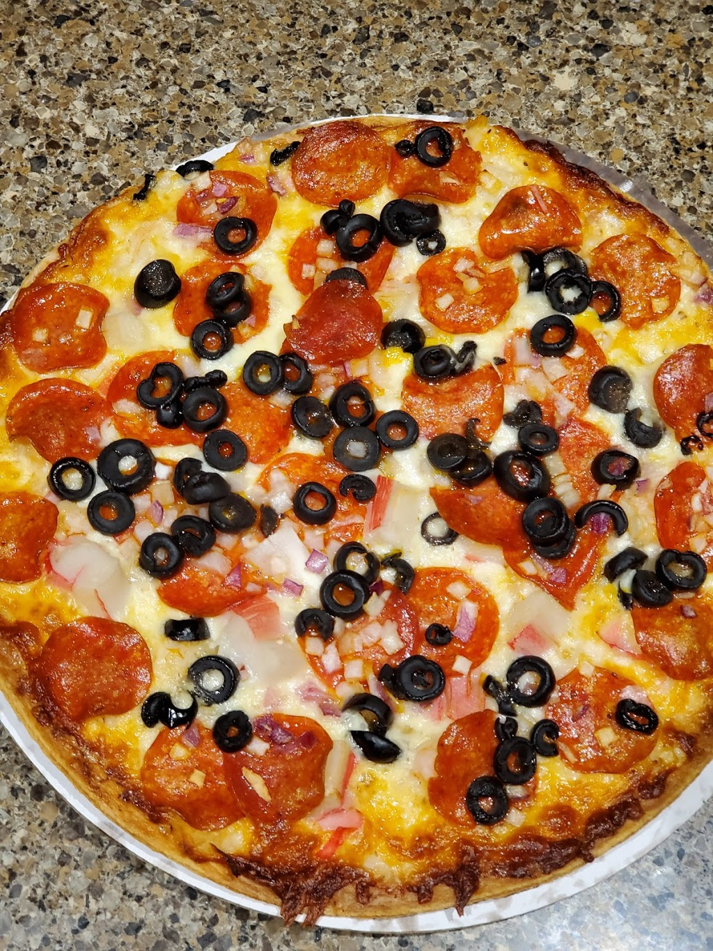 eatons fresh pizza grafton | meal takeaway | 1615 Wisconsin Ave, Grafton, WI 53024, USA | 2624218589 OR +1 262-421-8589