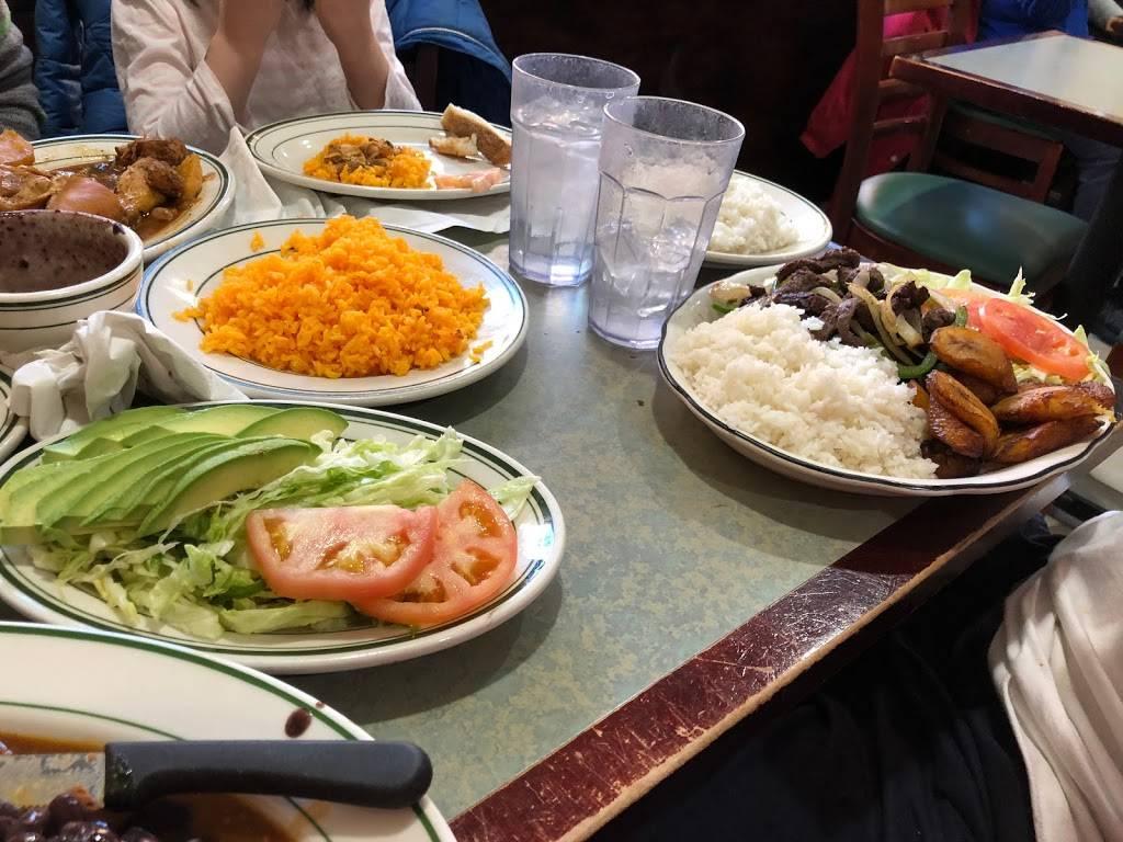 El Castillo De Jagua 2 | restaurant | 521 Grand St A, New York, NY 10002, USA | 2129950244 OR +1 212-995-0244