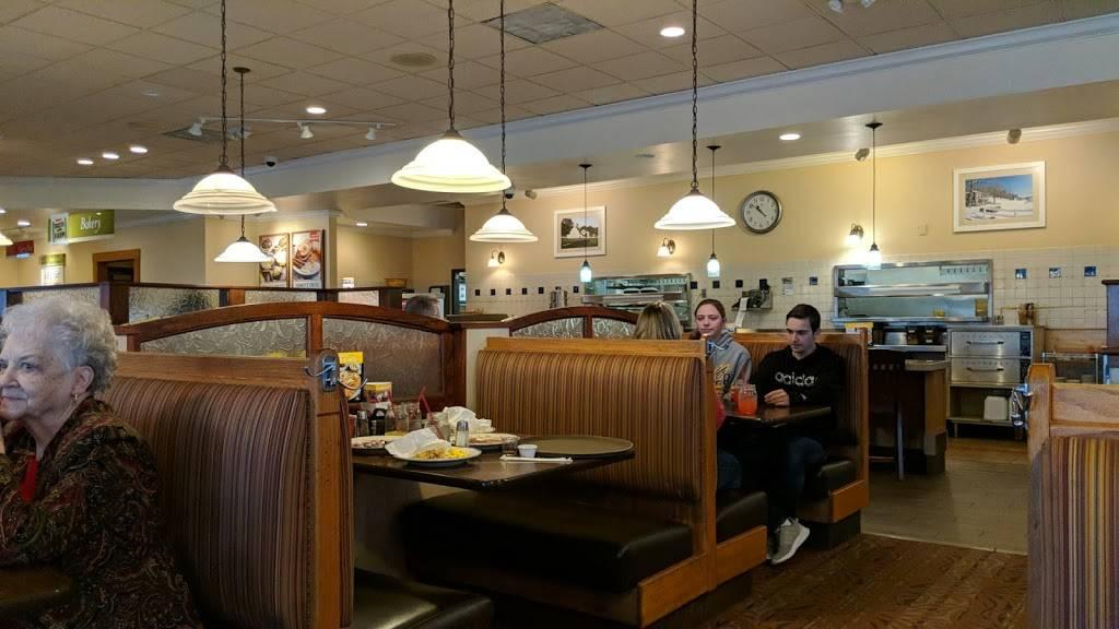Bob Evans | meal takeaway | 1117 N, MO-7, Blue Springs, MO 64014, USA | 8162200448 OR +1 816-220-0448