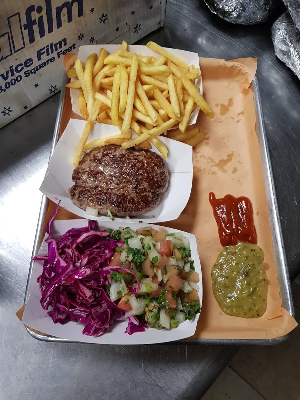 Izzys Smokehouse   restaurant   391 Troy Ave, Brooklyn, NY 11213, USA   3474250524 OR +1 347-425-0524
