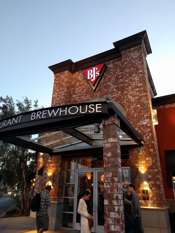BJs Restaurant & Brewhouse | restaurant | 11101 183rd St, Cerritos, CA 90703, USA | 5624670850 OR +1 562-467-0850