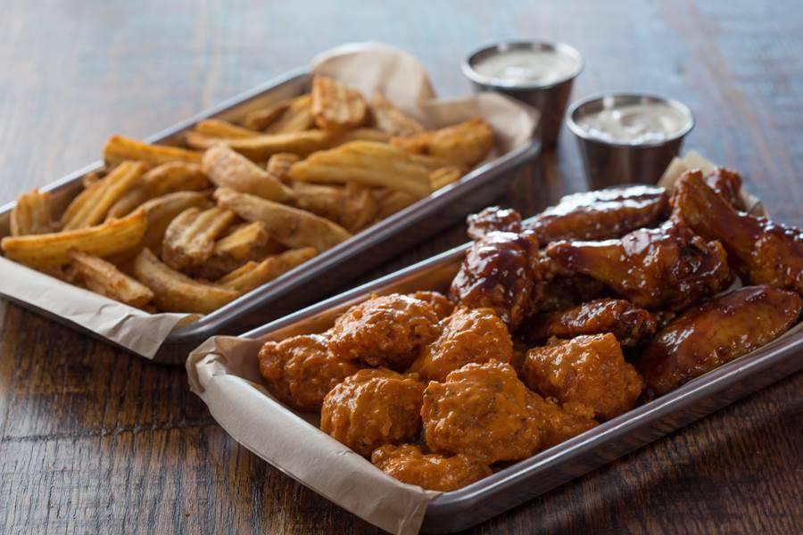 Wing Zone   restaurant   142 W Clayton St, Athens, GA 30601, USA   7062142536 OR +1 706-214-2536