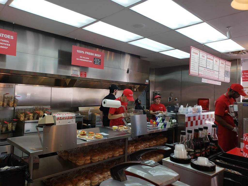 Five Guys | meal takeaway | 45 River Rd, Edgewater, NJ 07020, USA | 2014824614 OR +1 201-482-4614