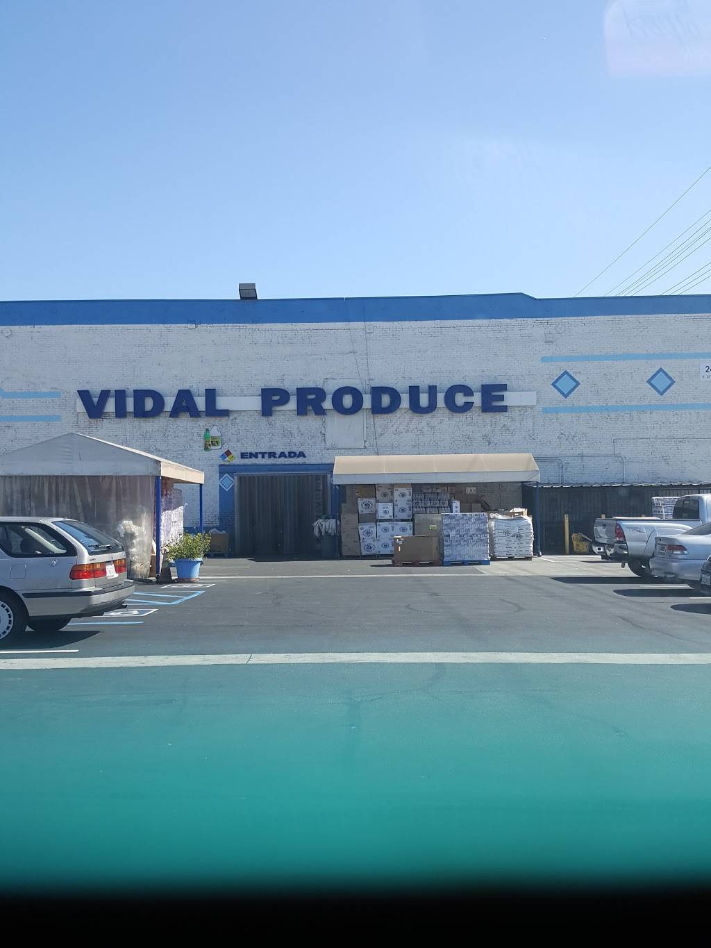 Vidal Produce Wholesale | meal takeaway | 2401 E 27th St, Vernon, CA 90058, USA | 3235871072 OR +1 323-587-1072