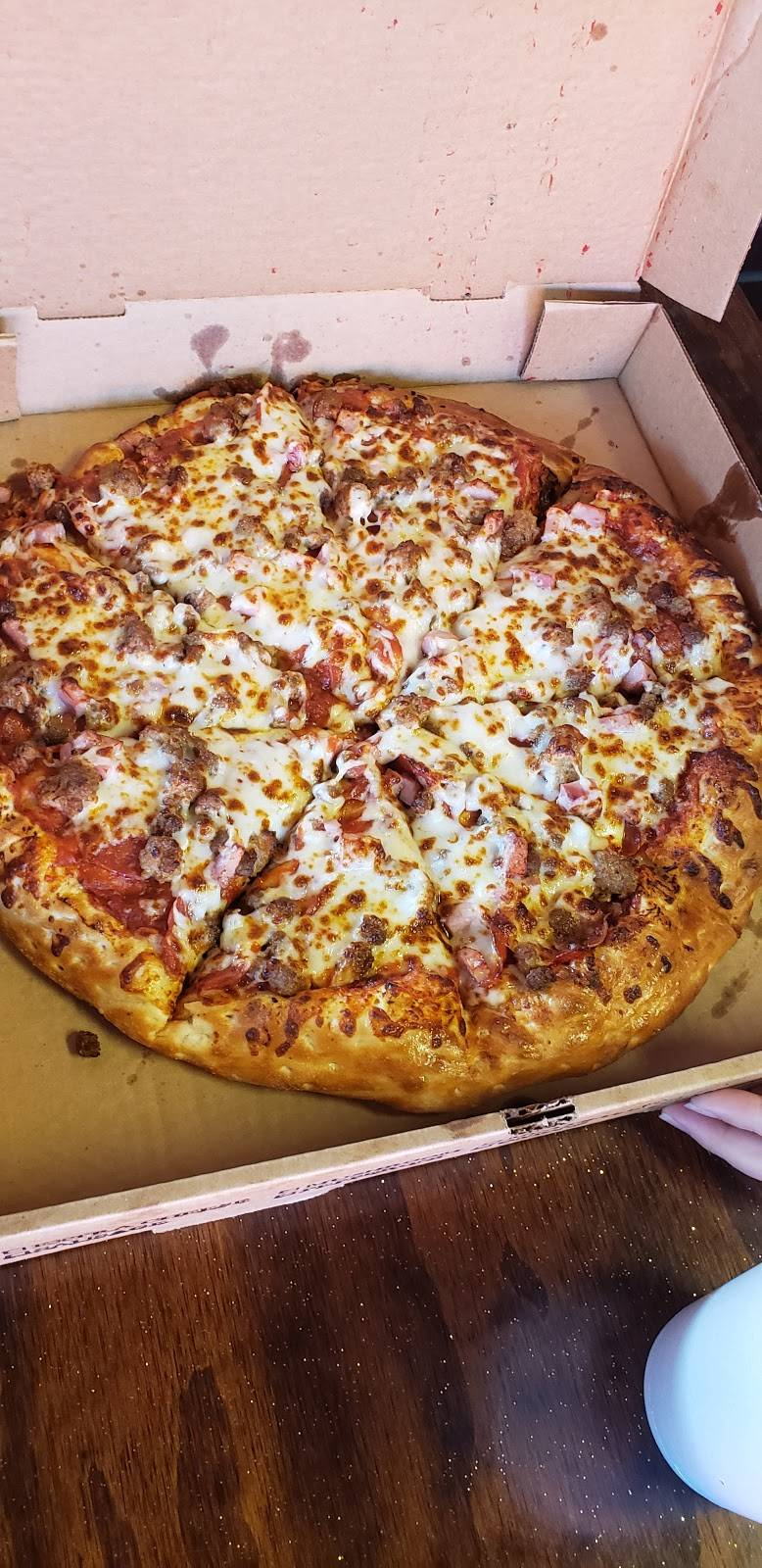 Feed Your Face Pizza Place | meal delivery | 2825 Parkway, Pigeon Forge, TN 37863, USA | 8653663210 OR +1 865-366-3210