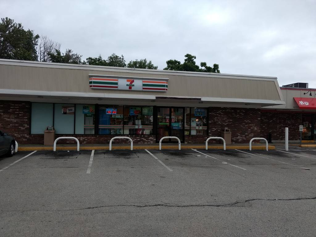 7-Eleven - Closed | bakery | 474 Market St, Rockland, MA 02370, USA | 7816817095 OR +1 781-681-7095