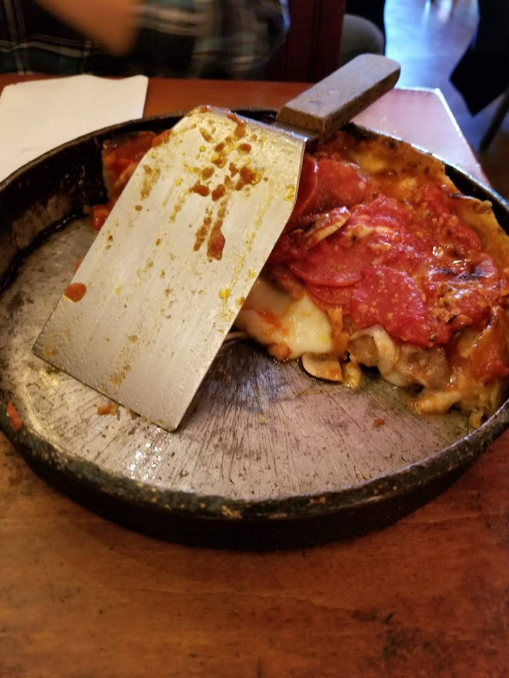 Lou Malnatis Pizzeria   meal delivery   805 S State St, Chicago, IL 60605, USA   3127861000 OR +1 312-786-1000
