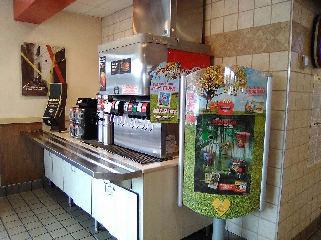 McDonalds   cafe   5947 N Lapeer Rd, North Branch, MI 48461, USA   8107935248 OR +1 810-793-5248