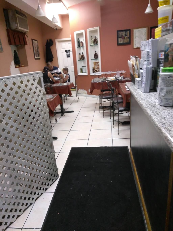 Tinys Pizza & Pasta | restaurant | 1113 Grant Ave, Bronx, NY 10456, USA | 7182938346 OR +1 718-293-8346