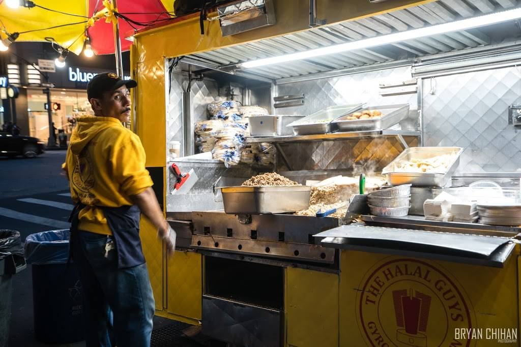 The Halal Guys | restaurant | 24-08 40th Ave, Queens, NY 11101, USA | 3473784470 OR +1 347-378-4470