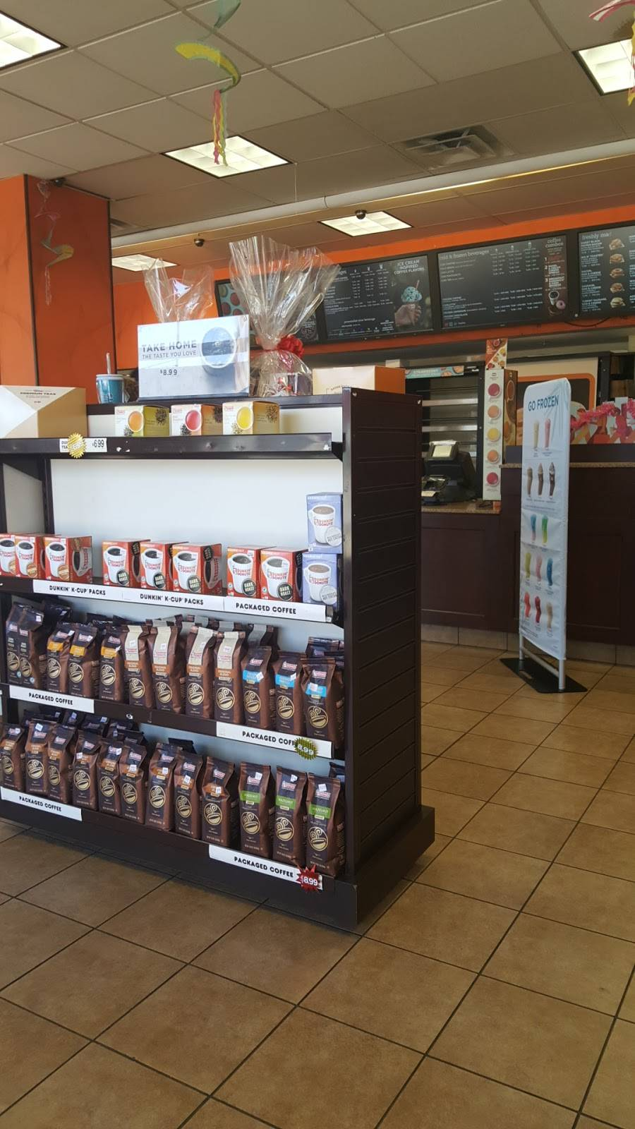 Dunkin Donuts | cafe | 8800 Gross Point Rd, Skokie, IL 60077, USA | 8474707100 OR +1 847-470-7100