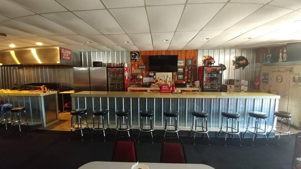 Smidtys Tavern | restaurant | 124 Main St N, Titonka, IA 50480, USA | 5159282888 OR +1 515-928-2888