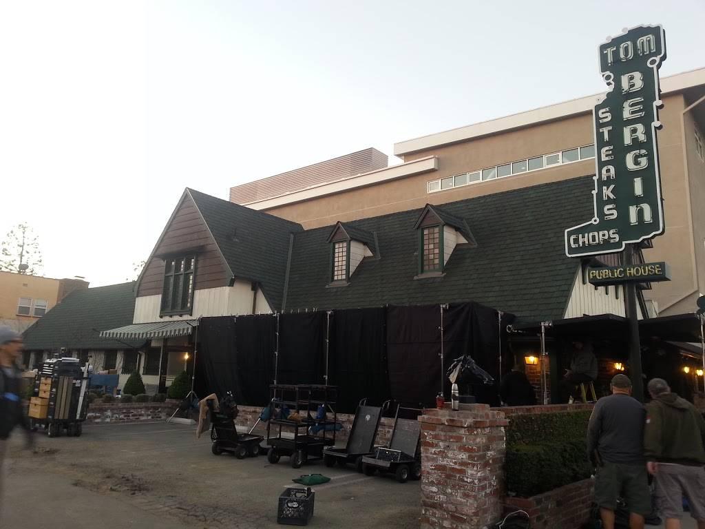 Tom Bergins | restaurant | 840 S Fairfax Ave, Los Angeles, CA 90036, USA | 3239367151 OR +1 323-936-7151