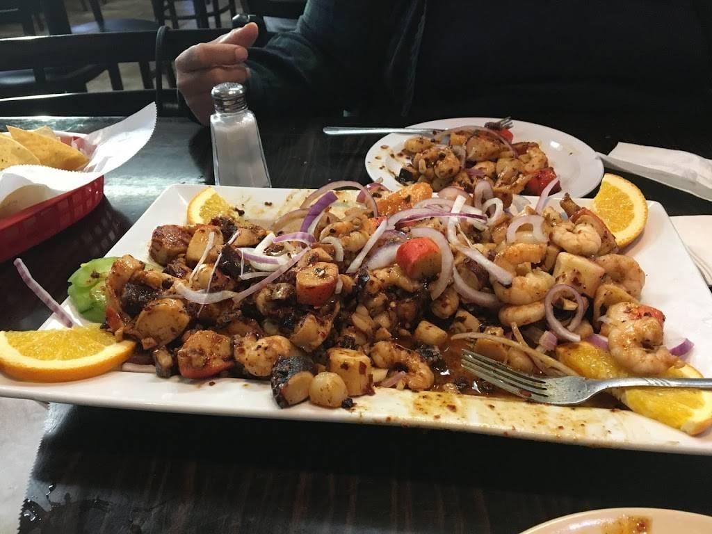 Mariscos El Cangrejo Nice | restaurant | 1739 W La Palma Ave, Anaheim, CA 92801, USA | 7145632208 OR +1 714-563-2208