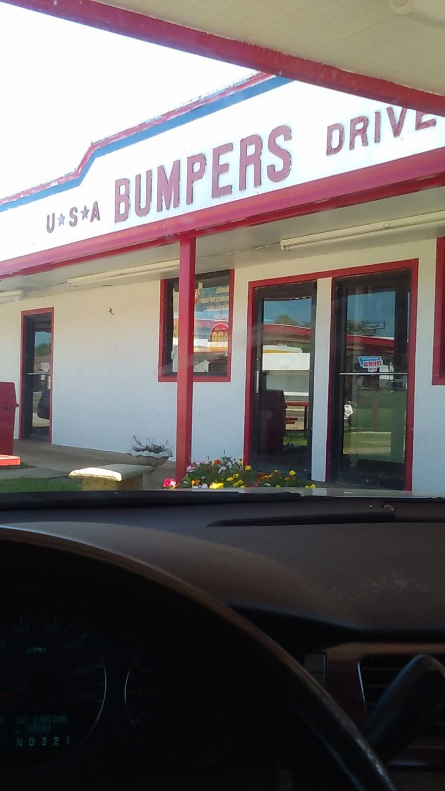 Bumpers Drive-In of America | restaurant | 605 Jefferson St, Macon, MS 39341, USA | 6627269555 OR +1 662-726-9555