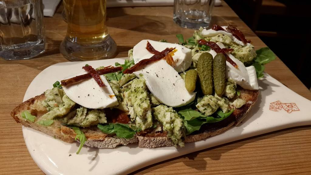 Le Pain Quotidien | restaurant | 1592 1st Avenue, New York, NY 10028, USA | 6466813110 OR +1 646-681-3110