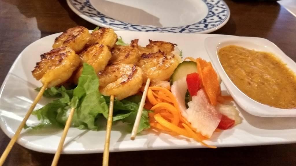 Sukothai Restaurant | restaurant | 2055 Winston Park Dr, Oakville, ON L6H 6P5, Canada | 9058299978 OR +1 905-829-9978