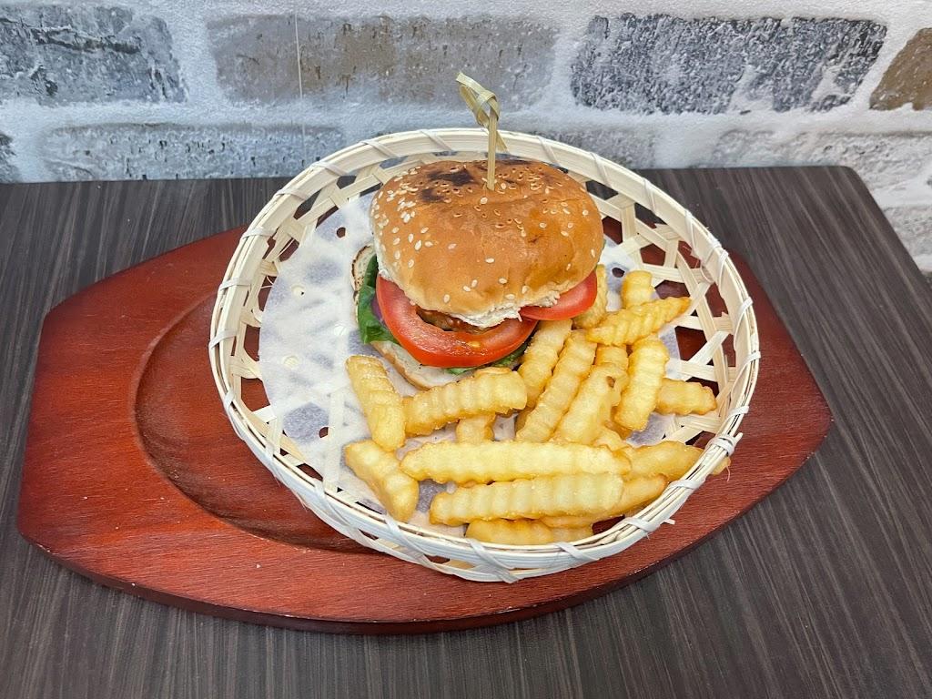 Chill D Taste Thai | restaurant | 16711 Union Tpke, Queens, NY 11366, USA | 9293860017 OR +1 929-386-0017