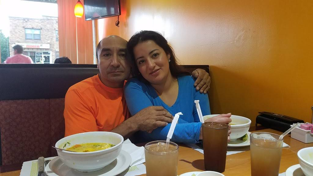 Las Americas Restaurant | restaurant | 9 Main St, Danbury, CT 06810, USA | 2037447400 OR +1 203-744-7400