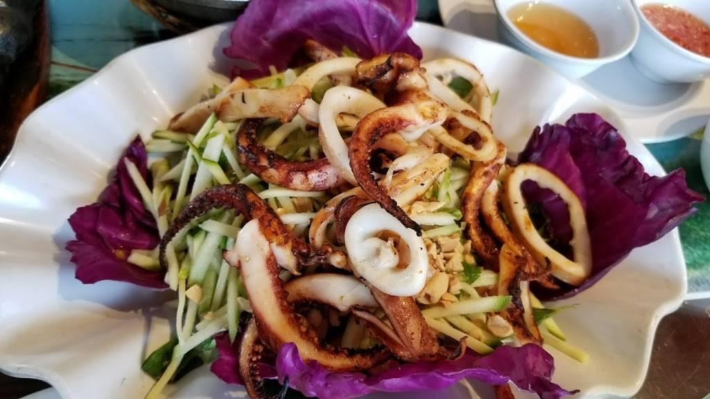 Huong Dong Co Noi | restaurant | 10451 Bolsa Ave #101, Westminster, CA 92683, USA | 7148391014 OR +1 714-839-1014