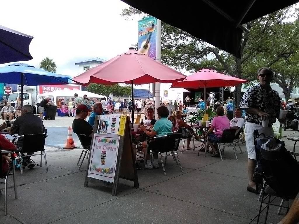Tangelos Grille | restaurant | 3121 Beach Blvd S, Gulfport, FL 33701, USA | 7278941695 OR +1 727-894-1695