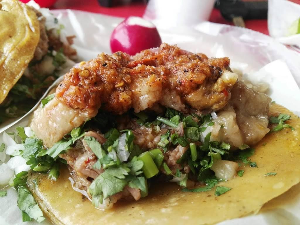 Tacos de birria y tuetano El Vecino | restaurant | Cuesta Blanca, B.C., Mexico