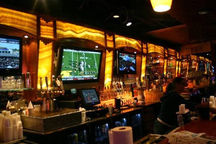 Roosters Bar & Grill | restaurant | 7585 S Northshore Dr, Knoxville, TN 37919, USA | 8656913938 OR +1 865-691-3938