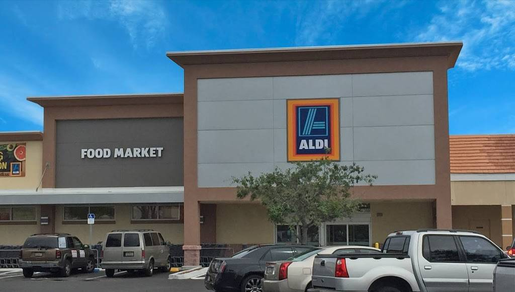 Coral Reef Shopping Center | shopping mall | 14965-95 S Dixie Hwy, Miami, FL 33176, USA | 3059471664 OR +1 305-947-1664