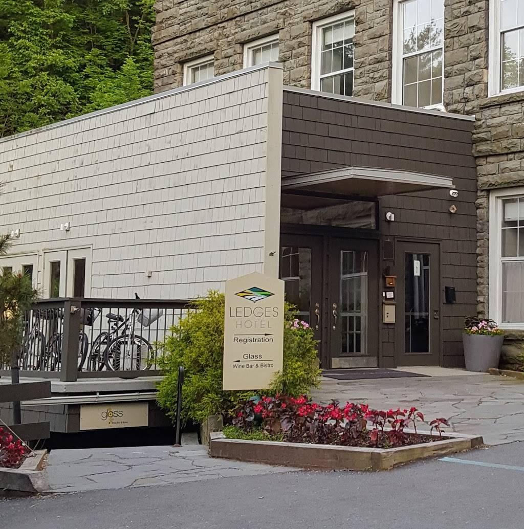 Glass Wine Bar Kitchen Restaurant 119 Falls Ave Hawley Pa 18428 Usa