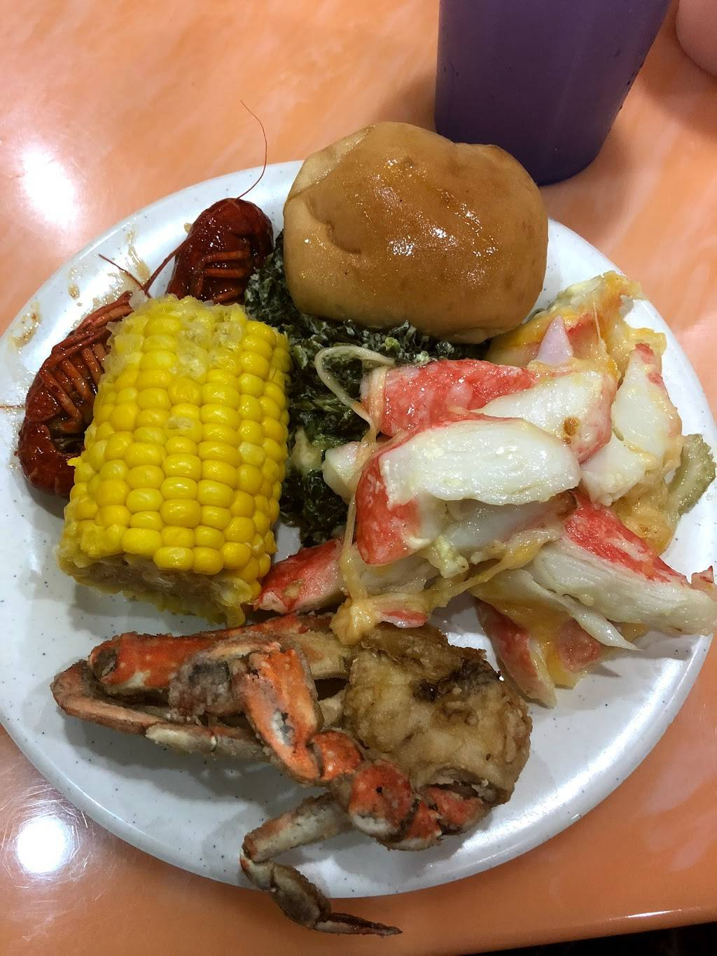 Two Volcano Seafood Boil Buffet | restaurant | 4817 W 77th St, Burbank, IL 60459, USA | 7086361680 OR +1 708-636-1680