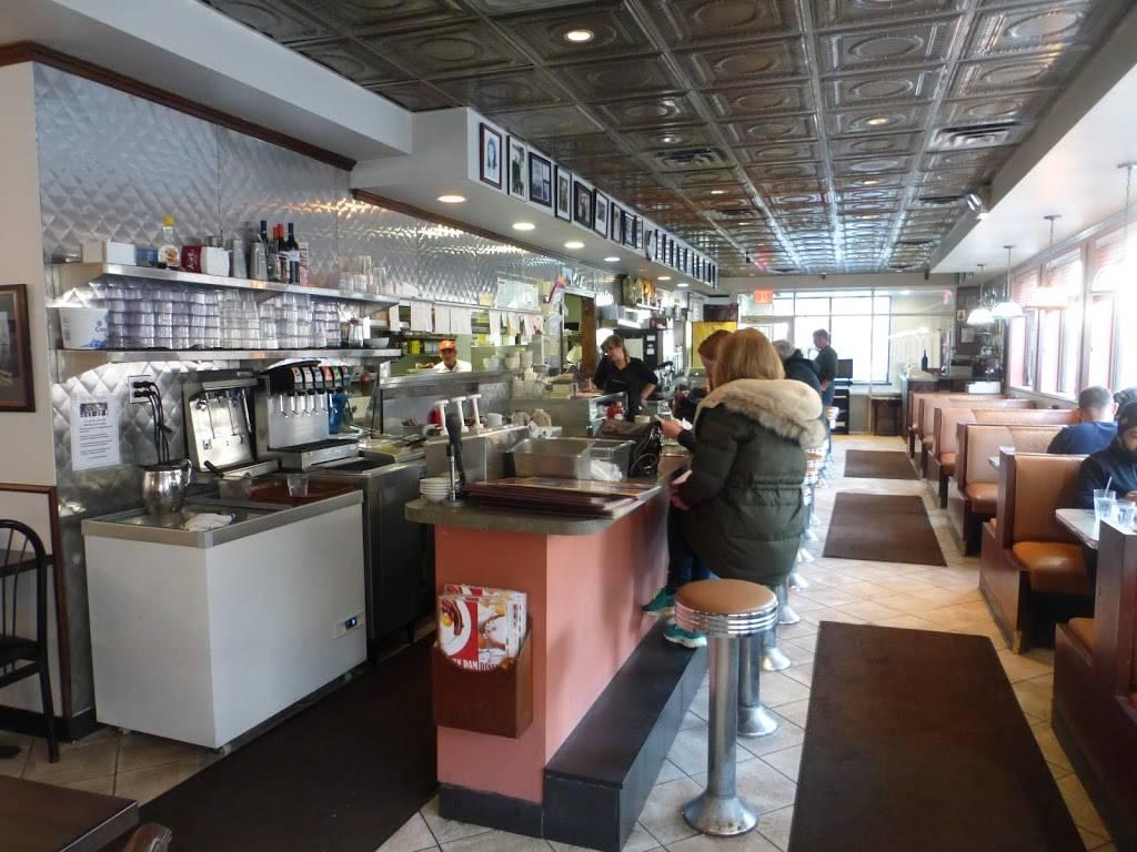 Van Dam Diner | restaurant | 4555 Van Dam St, Long Island City, NY 11101, USA | 7183928371 OR +1 718-392-8371