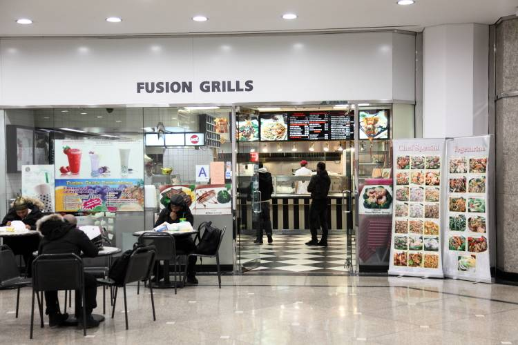 Fusion Grills | restaurant | 875 3rd Ave #16, New York, NY 10022, USA | 2123550666 OR +1 212-355-0666