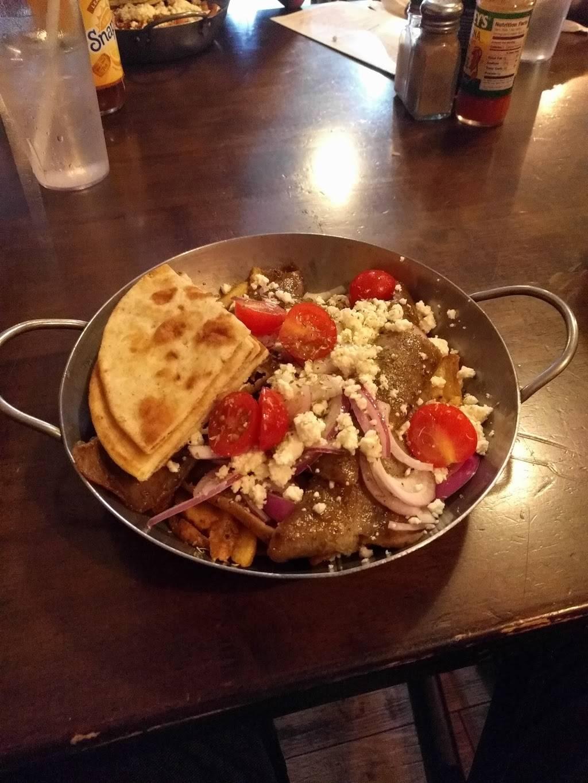 Crave Astoria | restaurant | 28-55 36th St, Astoria, NY 11103, USA | 7187264976 OR +1 718-726-4976