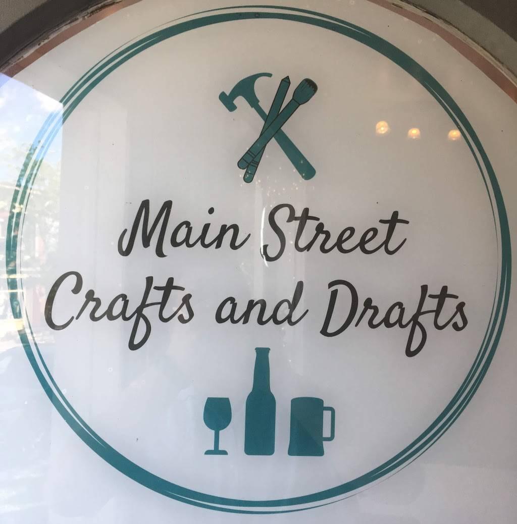 Main Street Crafts and Drafts | restaurant | 201 W Main St, Sackets Harbor, NY 13685, USA | 3156467146 OR +1 315-646-7146