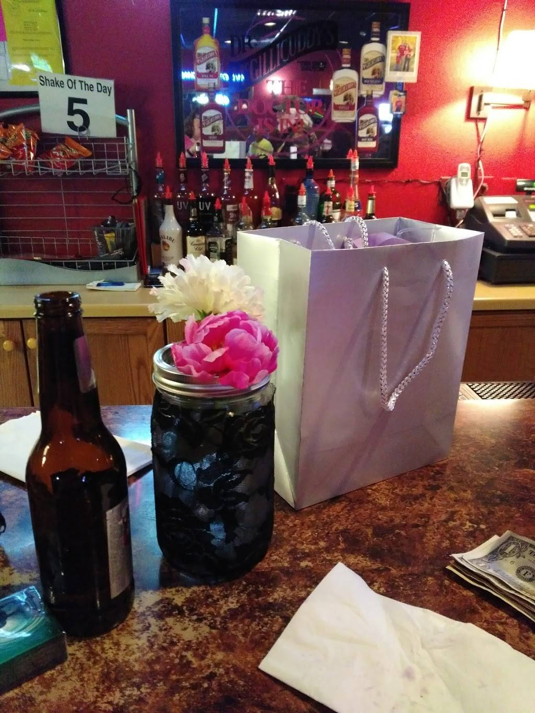 Red Room Bar & Restaurant | restaurant | 108 E Merrimac St, Dodgeville, WI 53533, USA | 6089357108 OR +1 608-935-7108